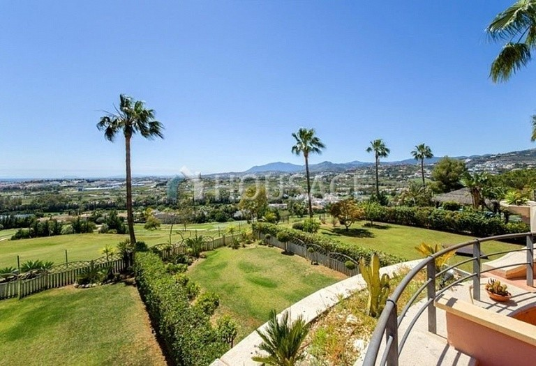 Apartment for sale in Nueva Andalucia, Marbella, Spain, 160 m² - photo 2