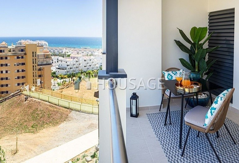 3 bed flat for sale in Estepona, Spain, 88 m² - photo 4