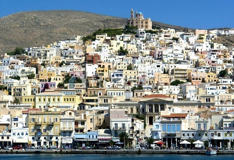 2 bed flat for sale in Ano Syros, Cyclades, Greece, 76 m² - photo 1