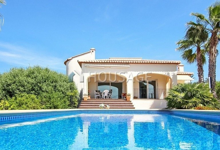 3 bed house for sale in Javea, Spain, 245 m² - photo 1