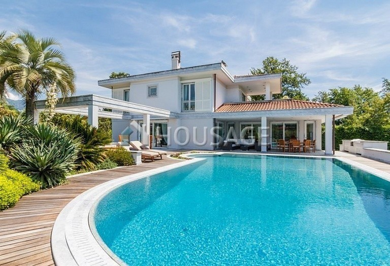6 bed villa for sale in Forte dei Marmi, Italy, 560 m² - photo 51