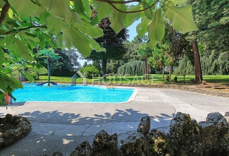 Villa for sale in Milan, Italy, 8000 m² - photo 17