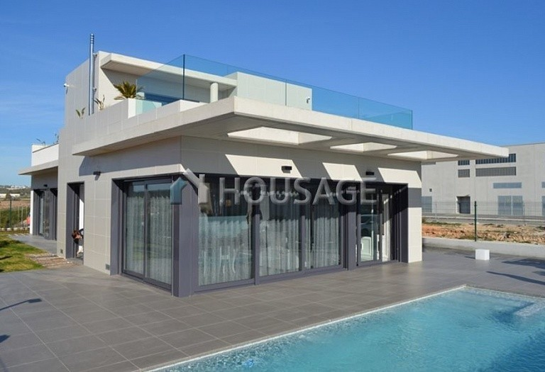 3 bed villa for sale in Orihuela, Spain, 334 m² - photo 1