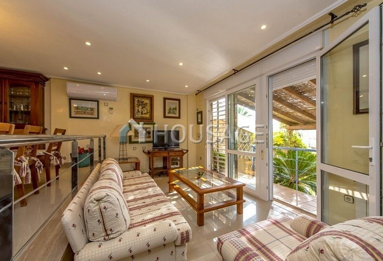 6 bed townhouse for sale in Orihuela, Spain, 208 m² - photo 11