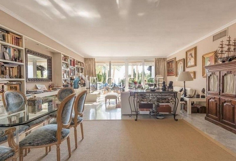 Flat for sale in Marbella Golden Mile, Marbella, Spain, 215 m² - photo 7