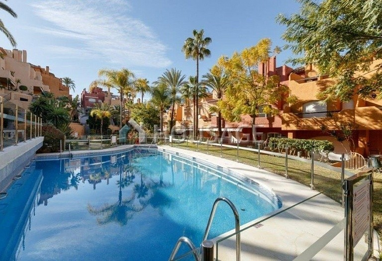 Townhouse for sale in Nueva Andalucia, Marbella, Spain, 487 m² - photo 1
