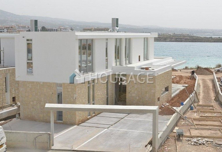 4 bed villa for sale in Coral Bay, Pafos, Cyprus - photo 22