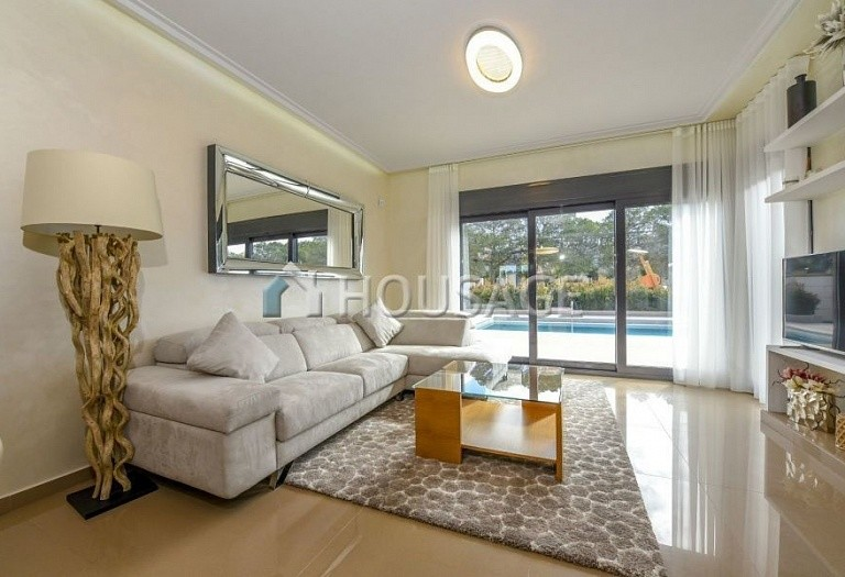4 bed villa for sale in Orihuela, Spain, 197 m² - photo 1