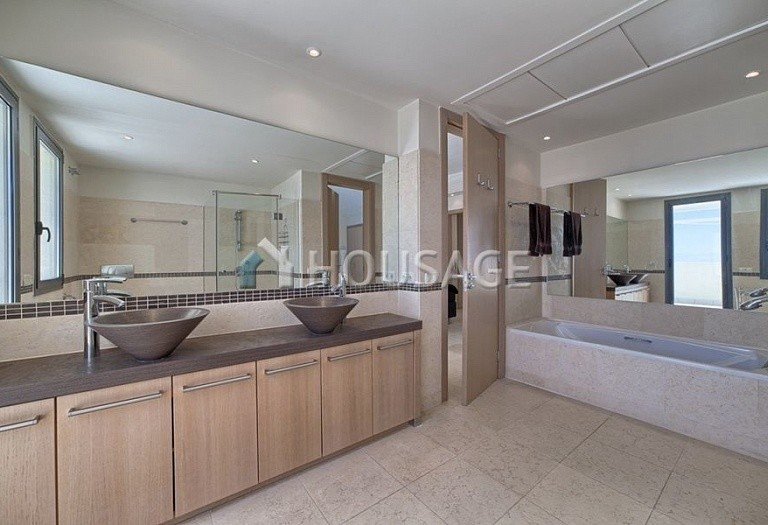 Flat for sale in Los Monteros, Marbella, Spain, 359 m² - photo 11