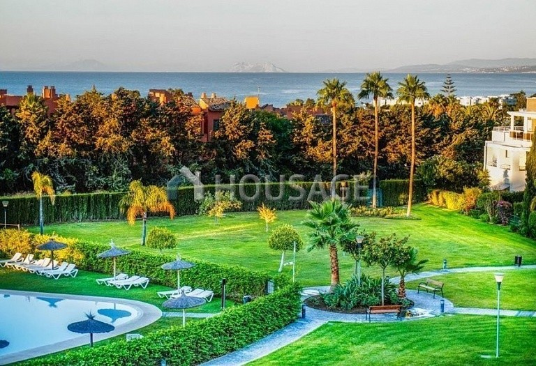Flat for sale in Estepona, Spain, 156 m² - photo 13