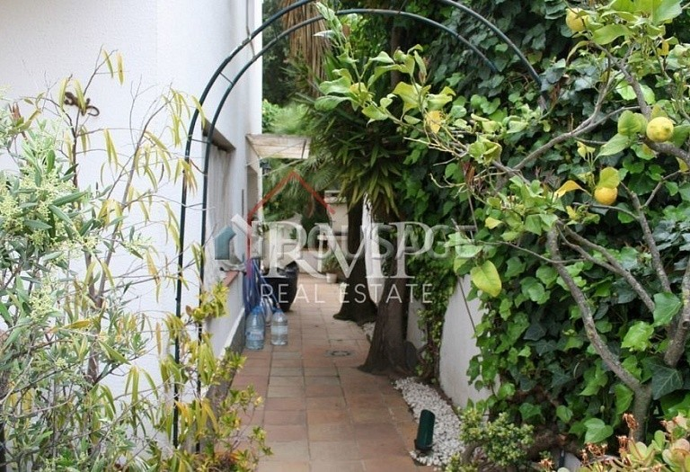 5 bed a house for sale in Sant Andreu de Llavaneres, Spain, 280 m² - photo 5