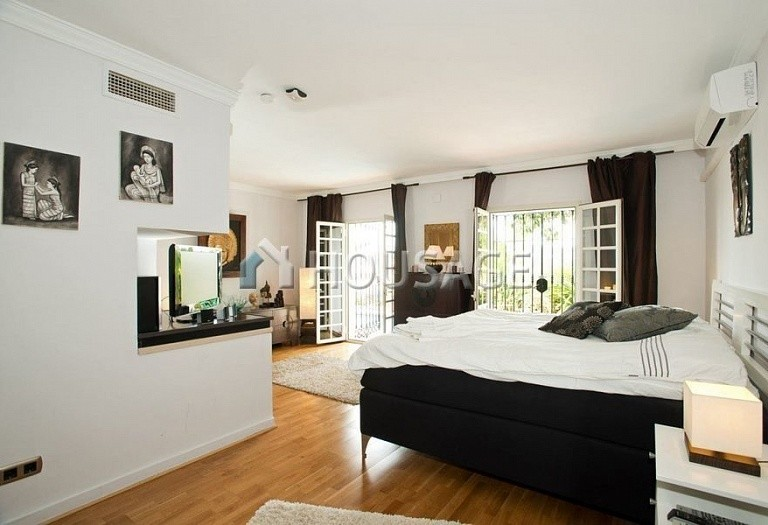 Townhouse for sale in Nueva Andalucia, Marbella, Spain, 200 m² - photo 4