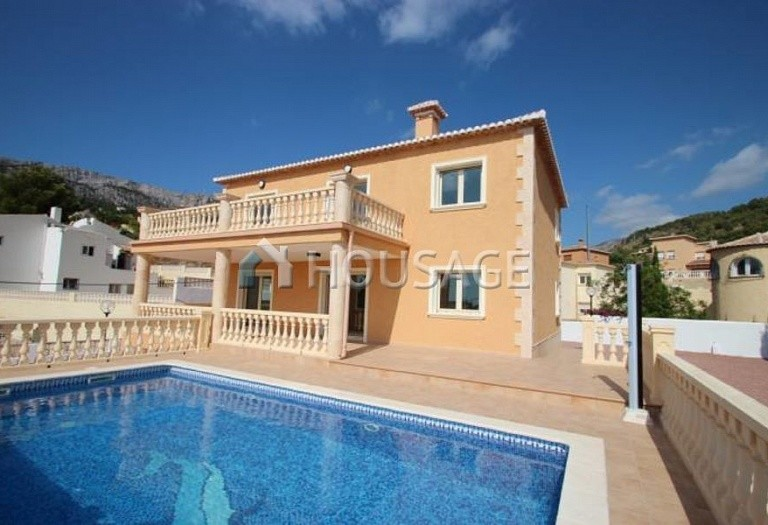6 bed villa for sale in Calpe, Calpe, Spain, 545 m² - photo 1