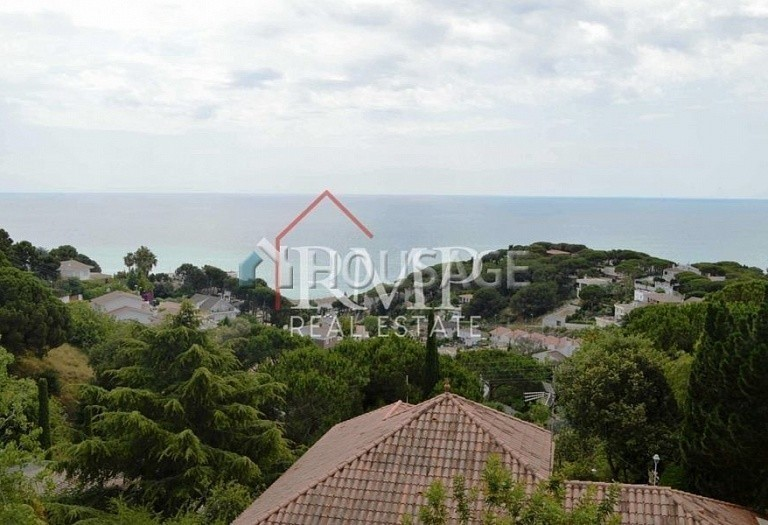 6 bed a house for sale in San Pol de Mar, Spain, 525 m² - photo 3