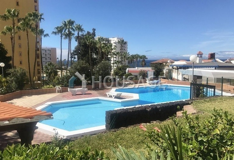 Flat for sale in Adeje, Spain - photo 1
