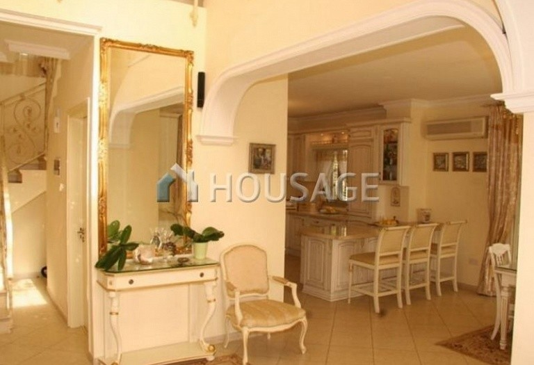 4 bed villa for sale in Coral Bay, Pafos, Cyprus, 200 m² - photo 8