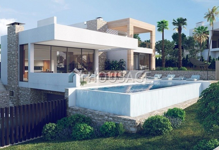 Villa for sale in Nueva Andalucia, Marbella, Spain, 648 m² - photo 1