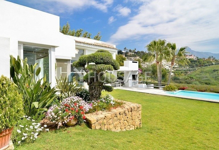Villa for sale in Nueva Andalucia, Marbella, Spain, 401 m² - photo 12