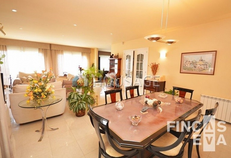 5 bed villa for sale in Premia de Dalt, Spain, 438 m² - photo 16