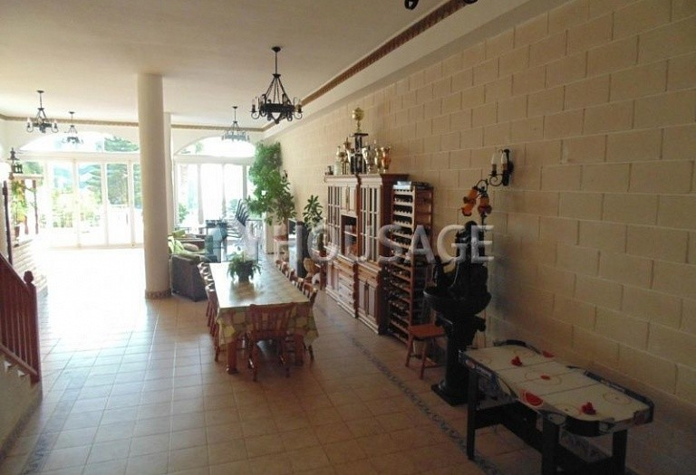 7 bed villa for sale in Torrevieja, Spain, 630 m² - photo 8