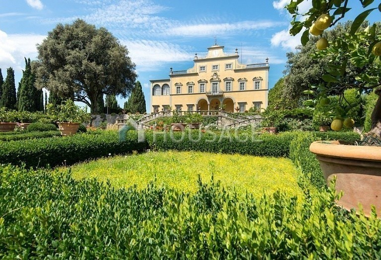 Villa for sale in Florence, Italy, 2800 m² - photo 3