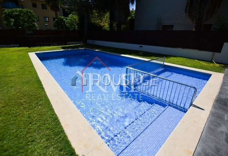 2 bed a house for sale in Platja d Aro, Spain, 70 m² - photo 3