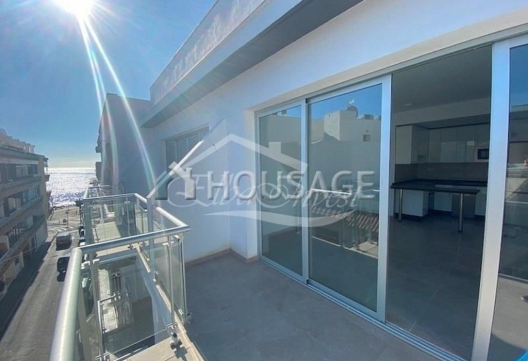 2 bed flat for sale in Guia de Isora, Spain, 82 m² - photo 1