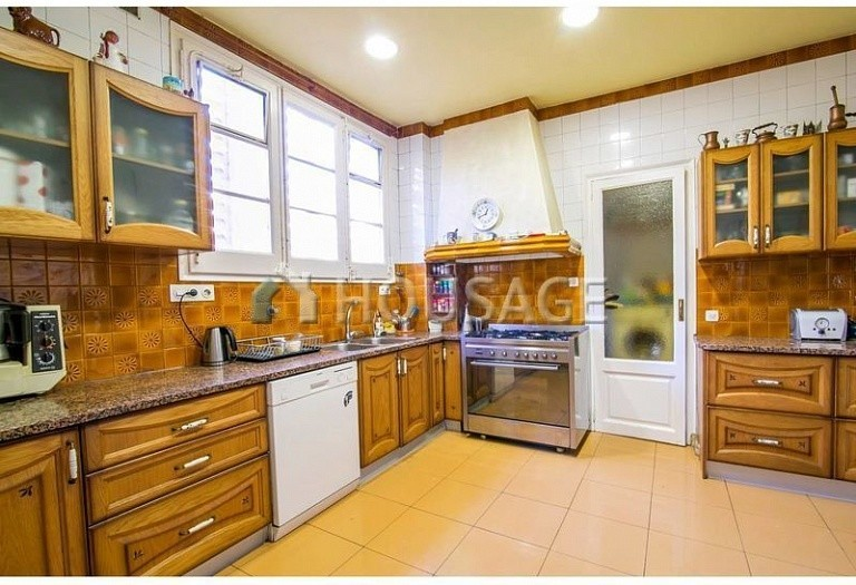 10 bed flat for sale in Barcelona, Spain, 425 m² - photo 20
