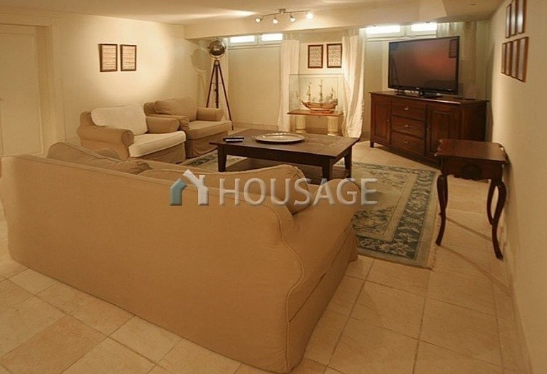 Townhouse for sale in Nueva Andalucia, Marbella, Spain, 400 m² - photo 20