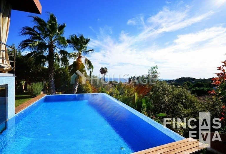 6 bed villa for sale in Premia de Dalt, Spain, 616 m² - photo 13