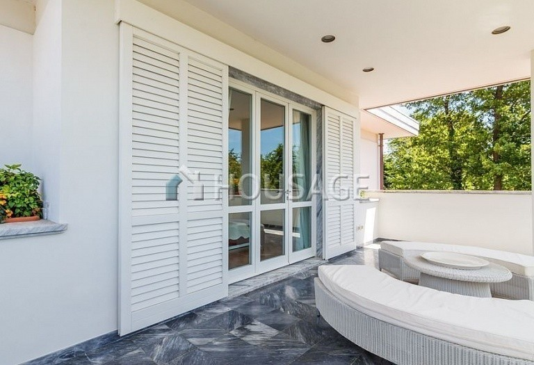 6 bed villa for sale in Forte dei Marmi, Italy, 560 m² - photo 46