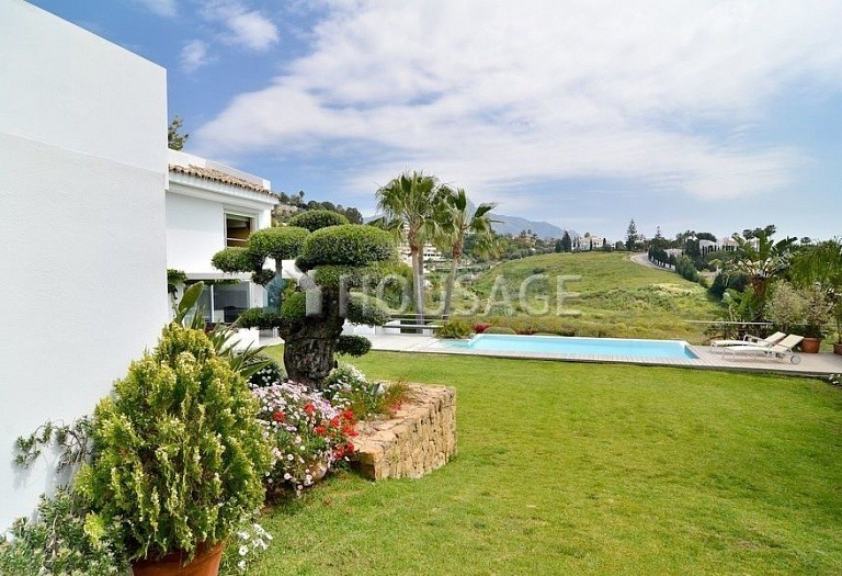 Villa for sale in Nueva Andalucia, Marbella, Spain, 401 m² - photo 11