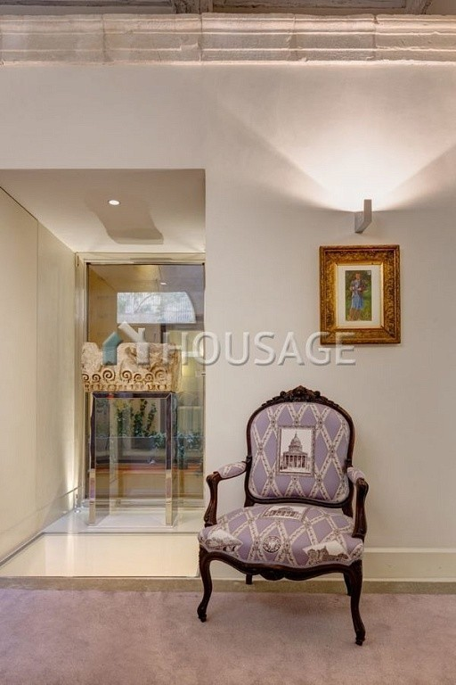 4 bed flat for sale in Rome, Italy, 400 m² - photo 2