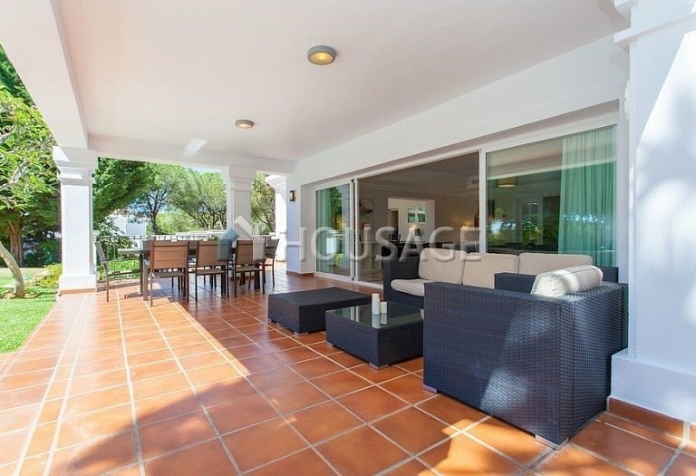 Villa for sale in Las Chapas, Marbella, Spain, 720 m² - photo 3
