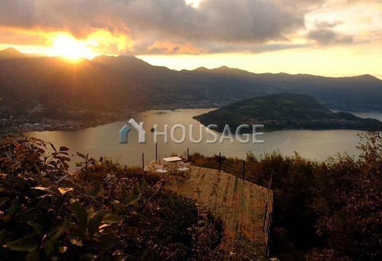 Commercial property for sale in Lombardy, Italy, 4436 m² - photo 3