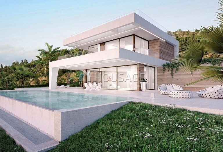 4 bed villa for sale in Estepona, Spain, 190 m² - photo 2
