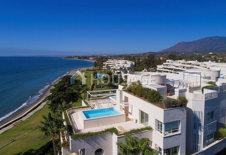 Flat for sale in Los Granados Playa, Estepona, Spain, 595 m² - photo 9