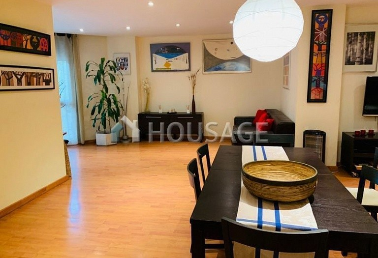 3 bed flat for sale in Eixample, Barcelona, Spain, 100 m² - photo 1