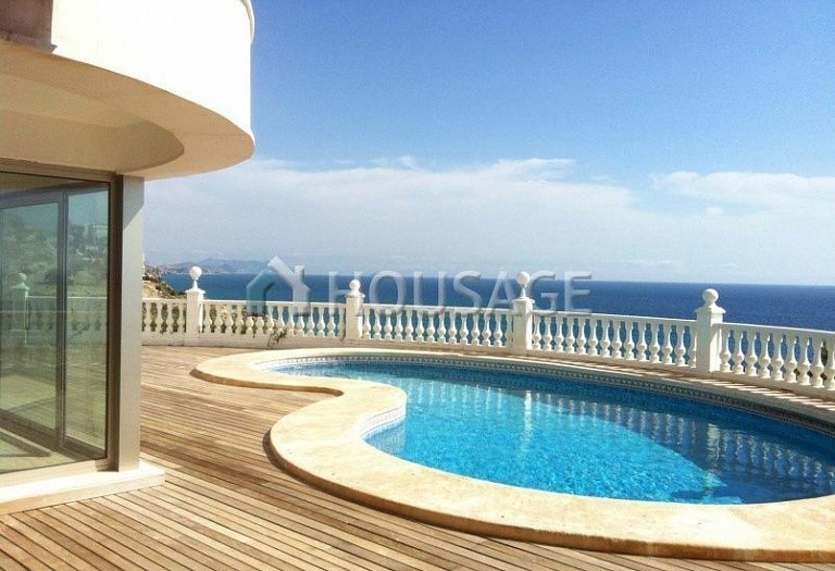 6 bed villa for sale in El-Campello, Spain, 400 m² - photo 8