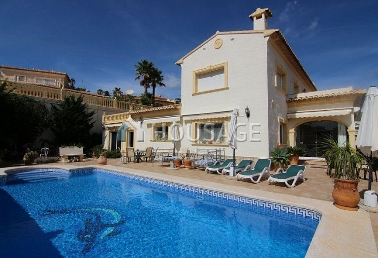 3 bed villa for sale in Calpe, Spain, 300 m² - photo 1