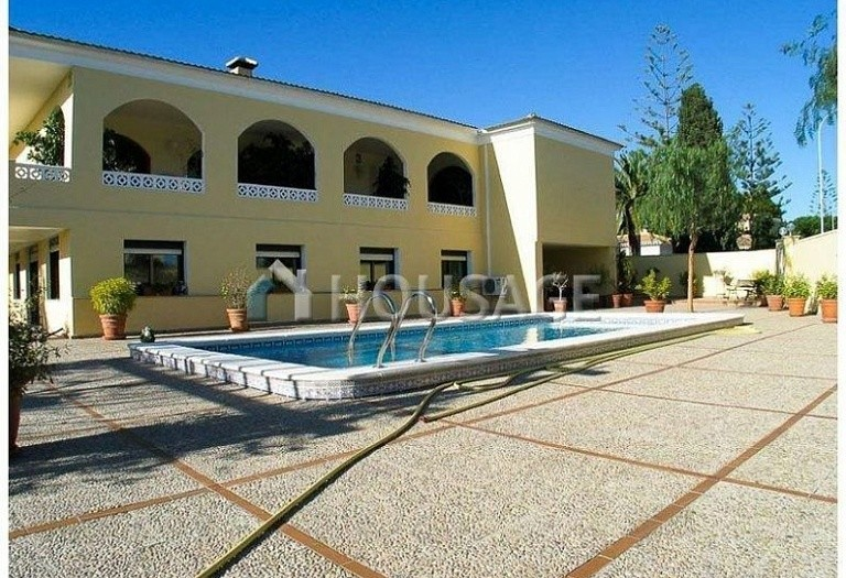 5 bed villa for sale in Orihuela Costa, Spain, 400 m² - photo 1