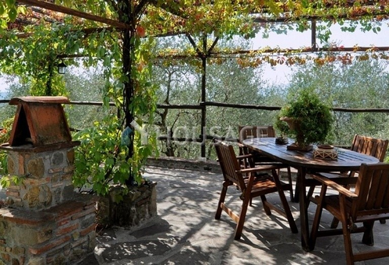 5 bed villa for sale in Lucca, Italy, 305 m² - photo 6