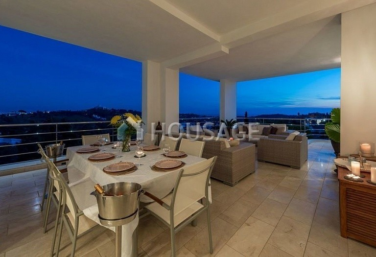Villa for sale in El Paraiso Alto, Benahavis, Spain, 1250 m² - photo 4