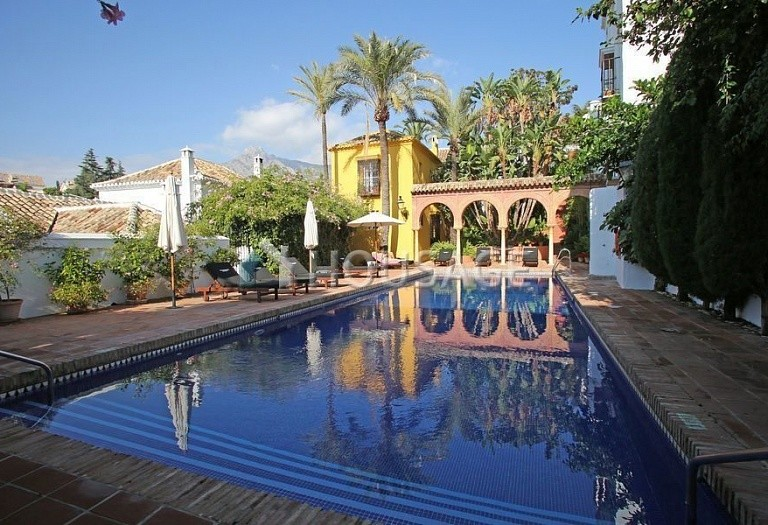 Townhouse for sale in Marbella Golden Mile, Marbella, Spain, 90 m² - photo 1