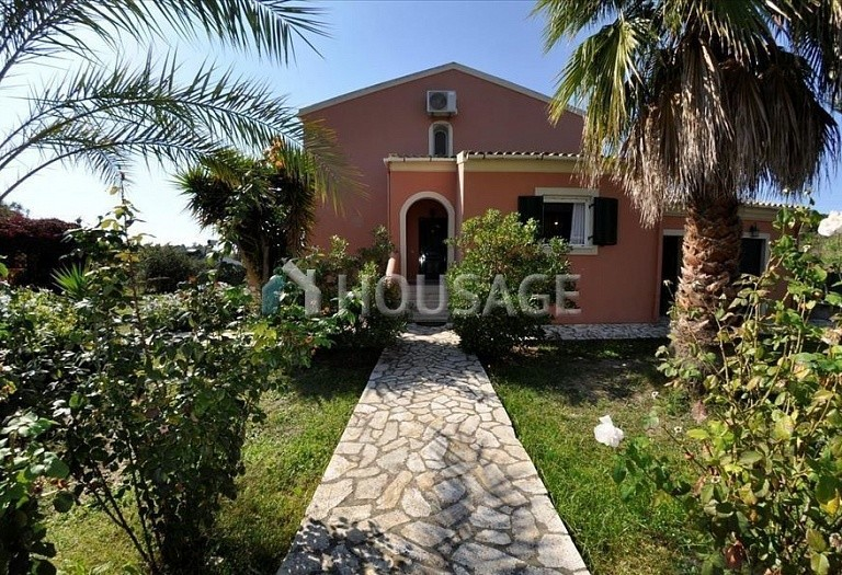 4 bed villa for sale in Ag. Georgios Pagon, Kerkira, Greece, 140 m² - photo 1