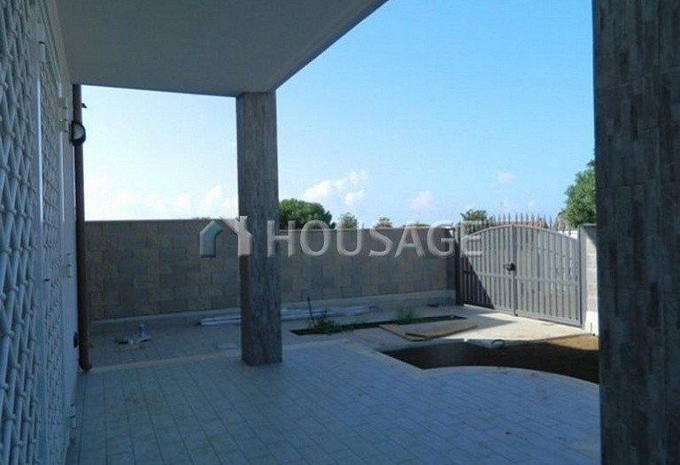3 bed townhouse for sale in Anzio, Italy, 115 m² - photo 4