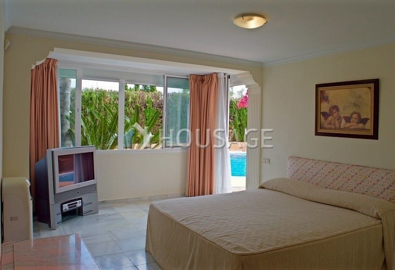 Villa for sale in Nueva Andalucia, Marbella, Spain, 405 m² - photo 9