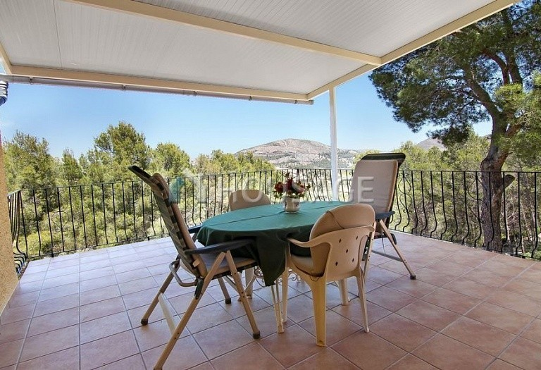3 bed villa for sale in Jalón, Spain, 210 m² - photo 2