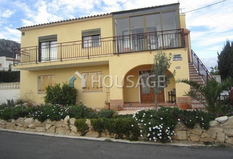 6 bed villa for sale in Calpe, Calpe, Spain, 185 m² - photo 2