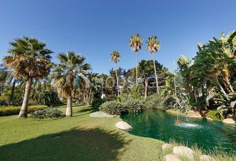Flat for sale in Puerto Banus, Marbella, Spain, 431 m² - photo 17